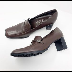 Square-Toe Heeled Brown Leather Loafers